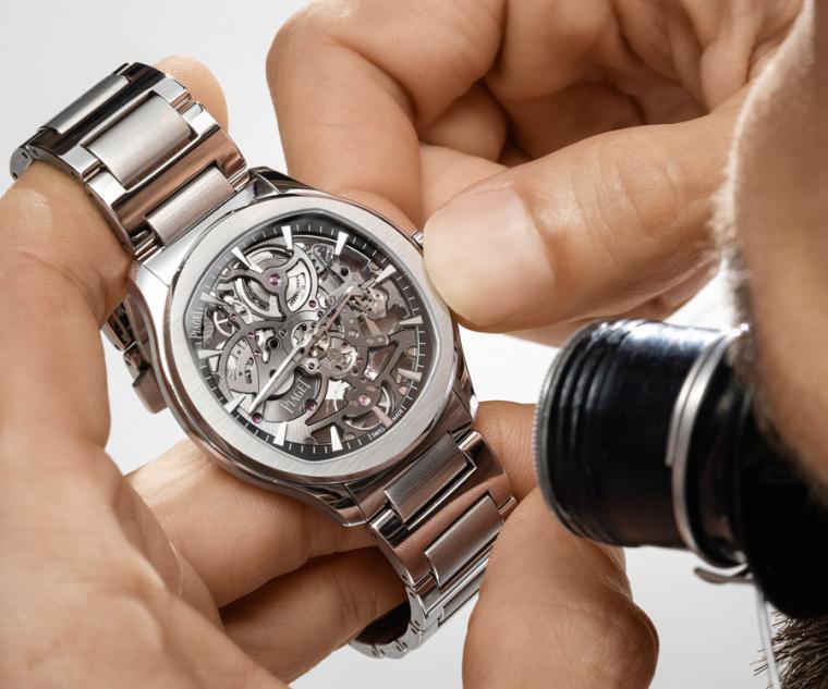 PIAGET Polo系列岩石灰鏤空超薄精鋼腕錶,型號:G0A45001/直徑42mm,精鋼錶殼/時間指示/伯爵製1200S型自動上鍊鏤空機芯,動力儲存44小時/藍寶石水晶鏡面及透明底蓋