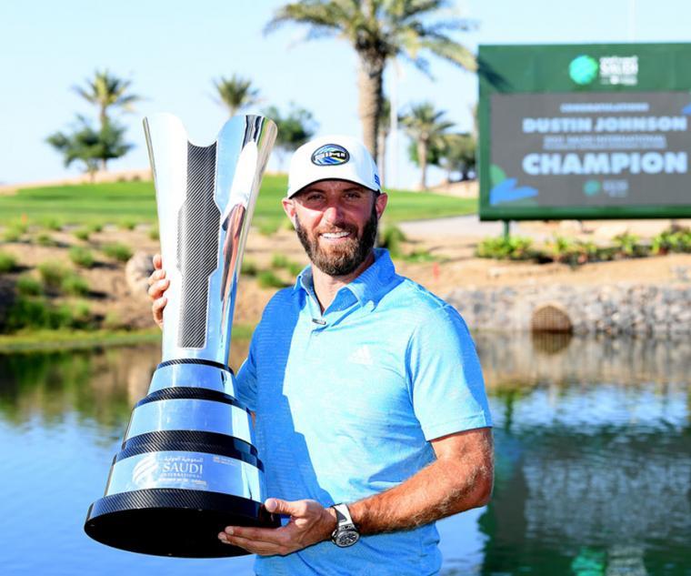 達斯汀強生表示「 全新Big Bang Unico Golf  黑色碳纖維高爾夫腕錶,擁有簡潔易操作的完美設計,具有極易閱讀的清晰顯示,而且非常輕盈,不到100公克,絲毫無礙於手腕的運動。它滿足我對高爾夫球錶的所有期待,是我征服果嶺的完美絕配。」