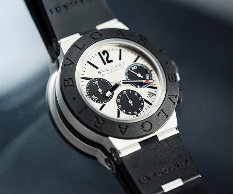 直徑40mm鋁金屬錶殼/時間指示、日期窗、計時碼錶/B130 自動上鍊機芯/藍寶石水晶鏡面/防水100米